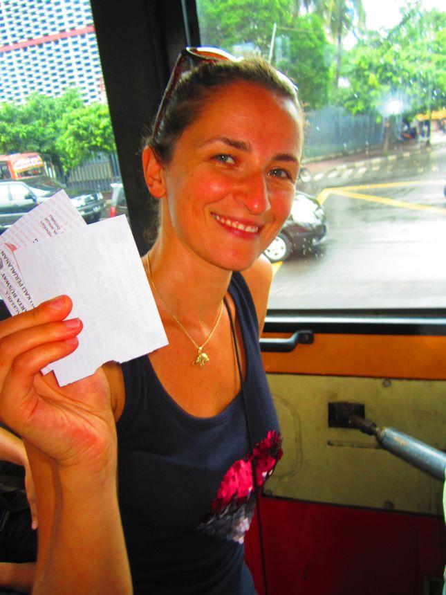 bus travel in jakarta