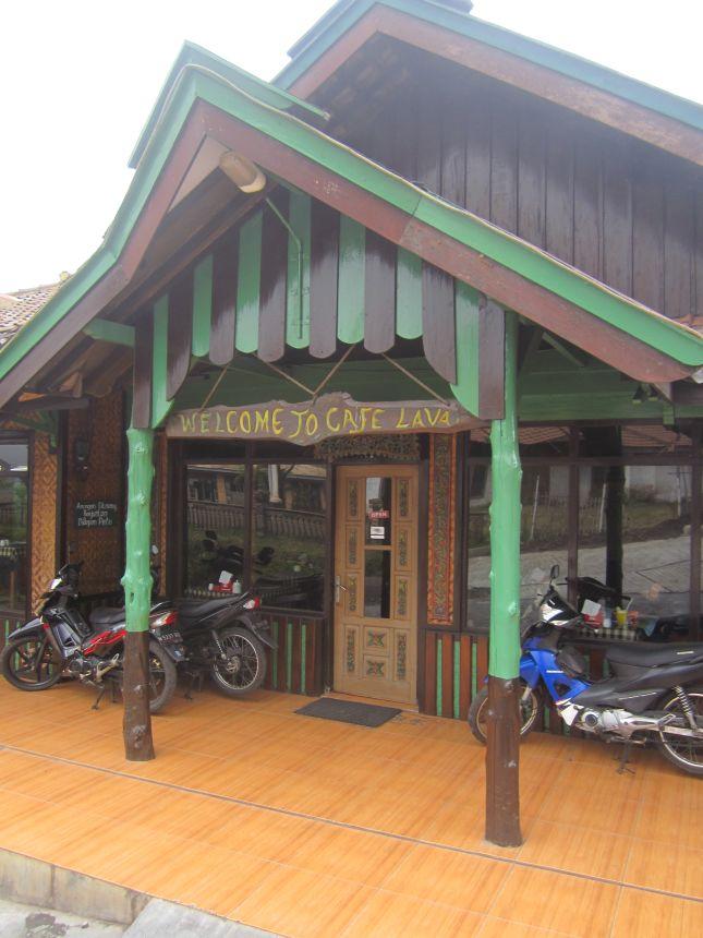 cafe lava mounth bromo