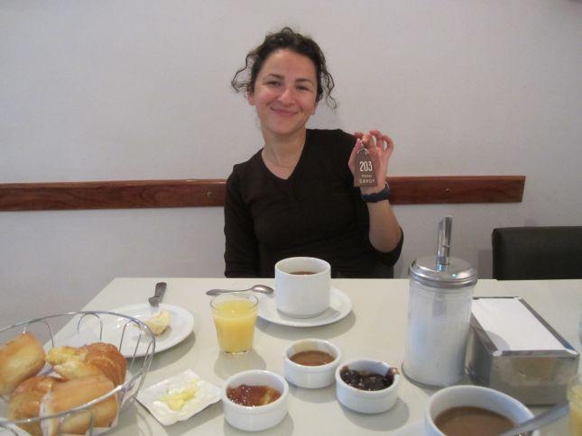breakfast-at-hotel-savoy-la-rioja-argentina.JPG