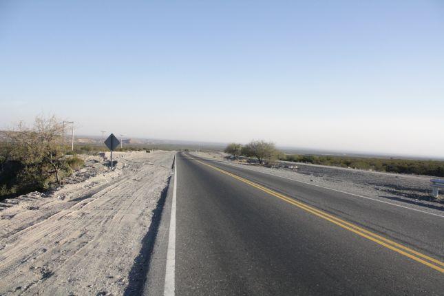 road-to-san-agustin-de-valle-fertil-1.JPG