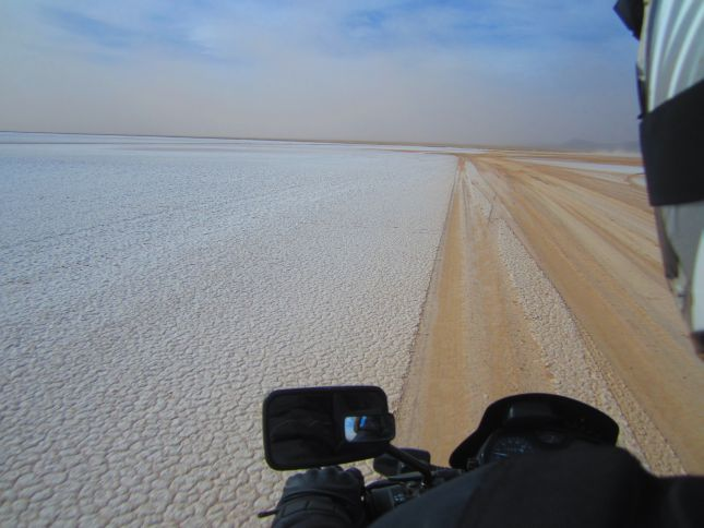 motorbiking-windy-salinas-grandes-2.JPG