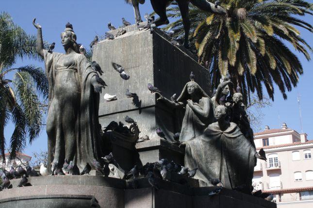 salta-argentina-statue-2.JPG