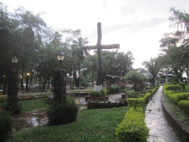 buena-vista-plaza-bolivia.JPG