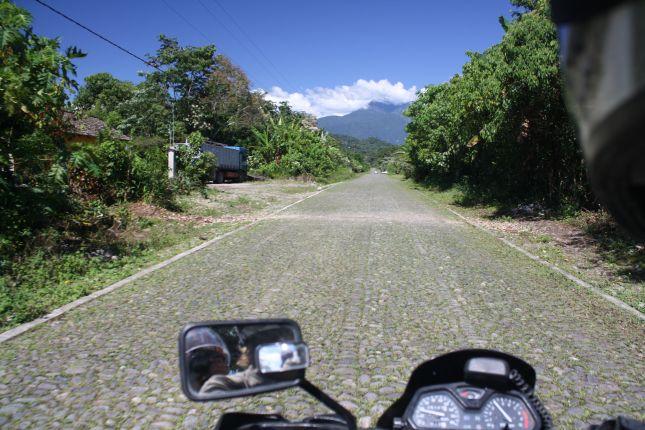 road-to-parque-carrasco.JPG