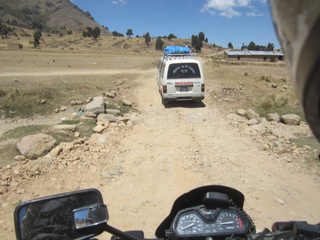 dirt-track-to-kasani-bolivia.JPG