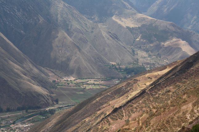 entering-sacred-valley.JPG