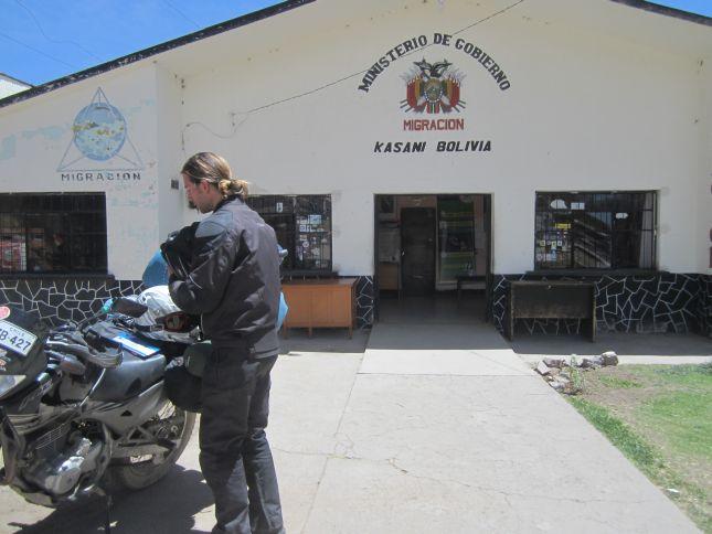 kasani-border-office-bolivia.JPG