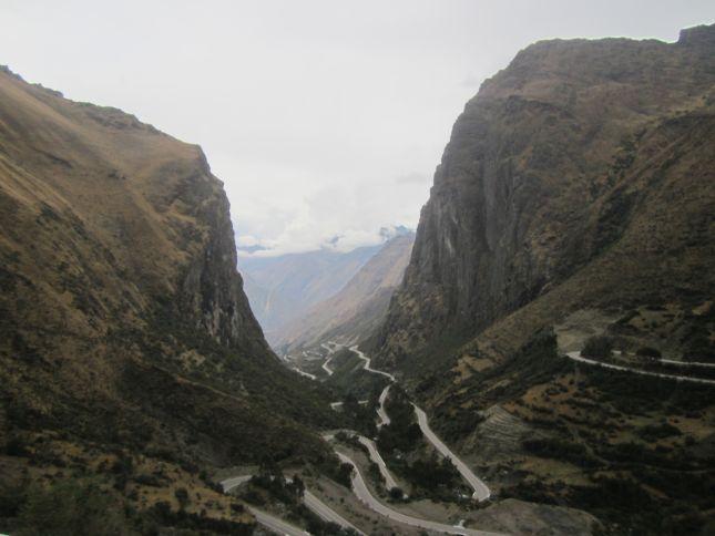 road-ollantaytambo-abra-del-malaga.JPG