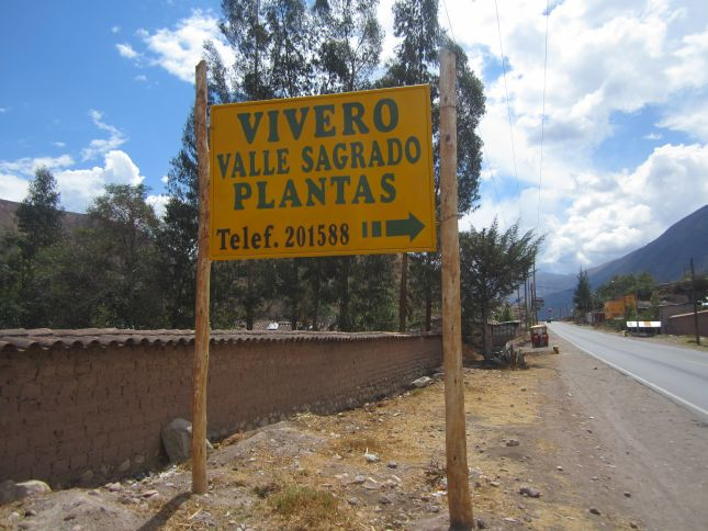 vivero-valle-sagrado-nursery-sign.JPG
