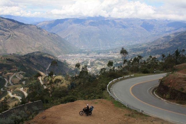 mountain-pass-descent-abancay-cuzco.JPG