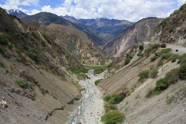 river-gorge-abancay-cuzco-with-biker.JPG