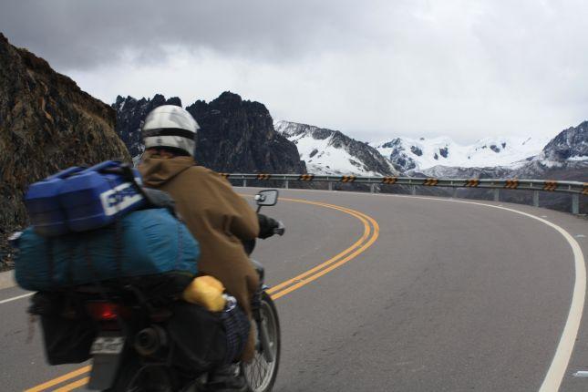 crossing-abra-pirhuayani-pass.JPG