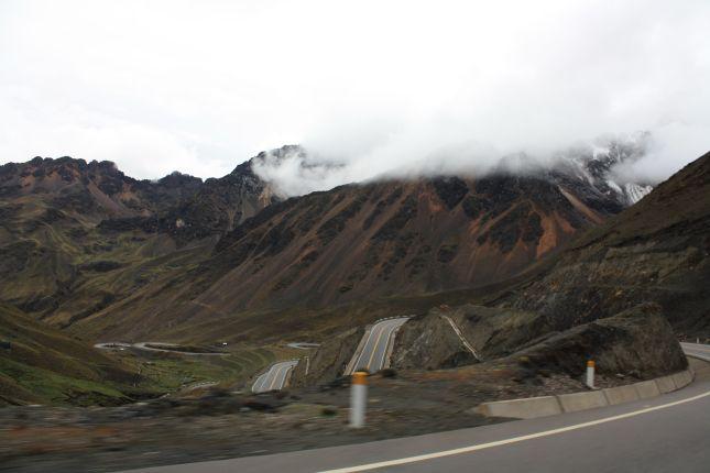 descending-abra-pirhuayani-altiplano.JPG