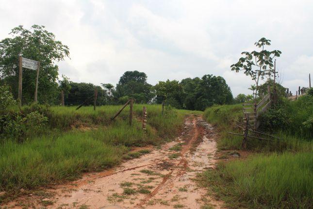 road-condition-BR319-sign-for-fazenda.JPG