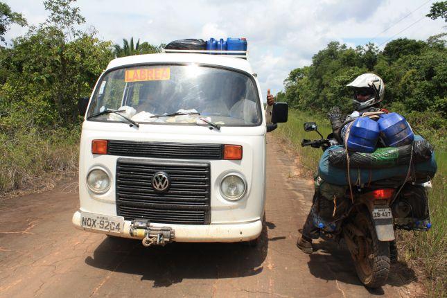 white-volksi-bus.JPG