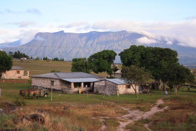 gran-sabana-kavanayen-farmhouse.JPG