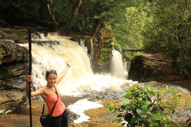 predidente-figueiredo-waterfall-sanctuario.JPG