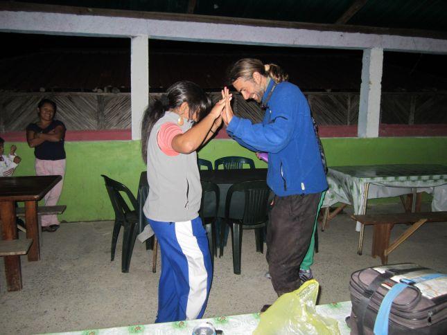 salto-karuai-dancing-lesson.JPG