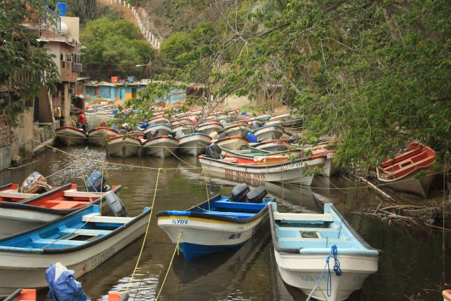 boats-puerto-colombia.JPG
