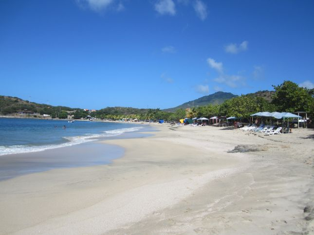 isla-margarita-beach-1.JPG