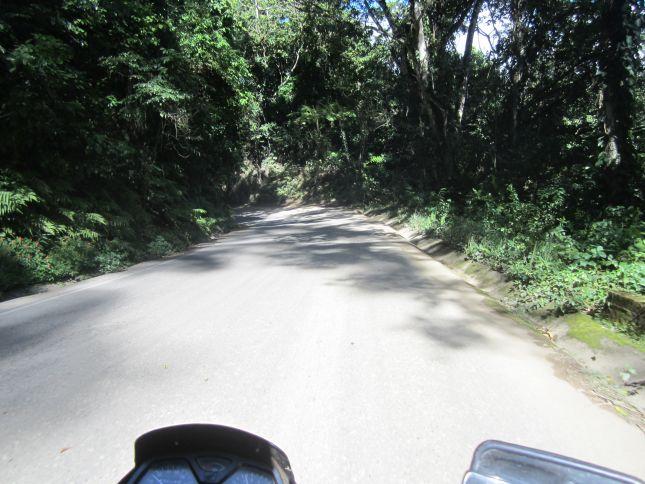 mochima-pto-colombia-road-2.JPG