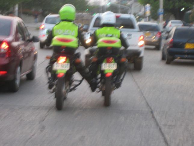 barranquilla-affectionate-police.JPG