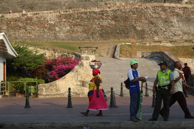 cartagena-street-people.JPG