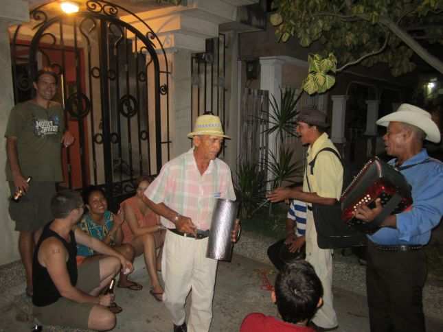barranquilla-old-man-band.JPG