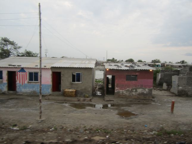 barranquilla-to-taganga-seaside-slum.JPG