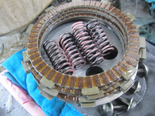 nx4-clutch-disks-springs.JPG