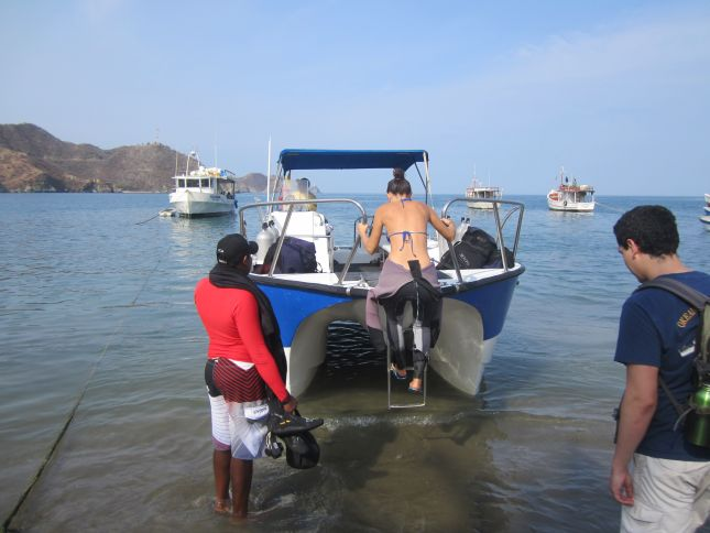 taganga-going-diving.JPG