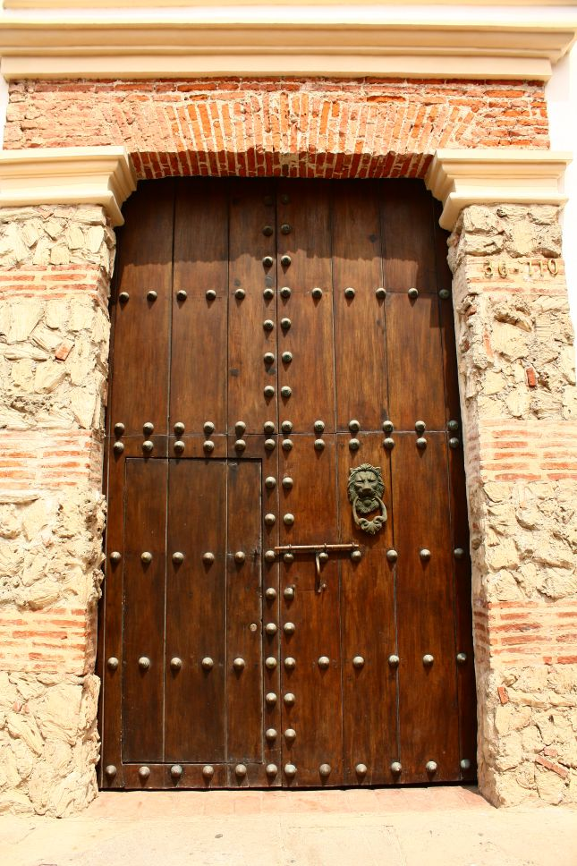 catragena-door-2.JPG