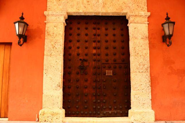 catragena-door-3.JPG