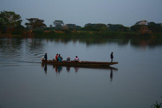 mompox-boat-on-magdalena.JPG