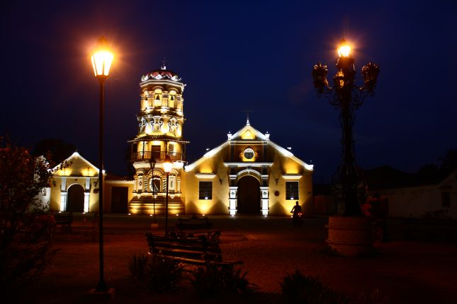 mompox-iglesia-santa-barbara.JPG