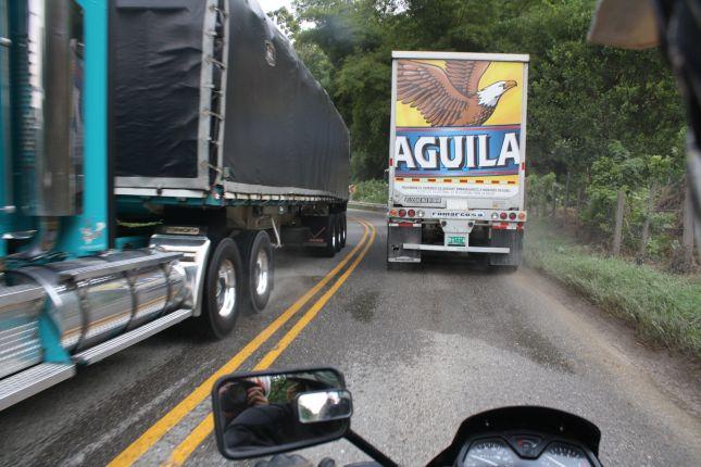 mompox-sangil-trucks.JPG